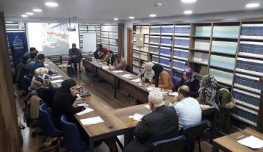 """مركز حرمون يستضيف دورة """"القراءة العلمية للنصوص النظرية"""" بمشاركة عشرين شابًا عربيًا"""