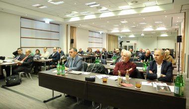 """تقرير مصوّر: اختتام ندوة """"تجارب سورية الدستورية"""" التي نظمها مركز """"حرمون"""" في برلين"""
